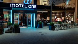 Buitenaanzicht Motel One am Michel