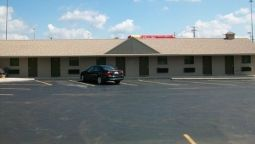 ECONOMY INN AND SUI - Ashtabula (Ohio)