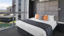Room MERITON BROADBEACH