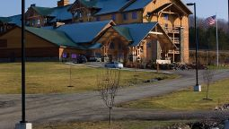 Exterior view HOPE LAKE LODGE AND INDOOR WATERPARK