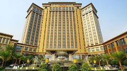 Exterior view Wyndham Grand Plaza Royale Palace