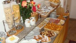 Breakfast buffet Villa Luisa