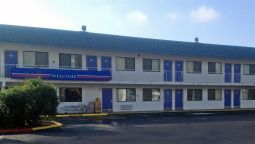 Exterior view MOTEL 6 RUSSELLVILLE AR