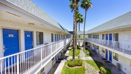 Exterior view MOTEL 6 MESA SOUTH