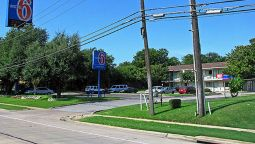 Exterior view MOTEL 6 FT WORTH