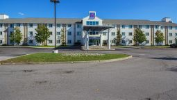 Exterior view MOTEL 6 TORONTO EAST - WHITBY