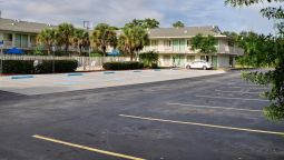 Exterior view MOTEL 6 FT. PIERCE