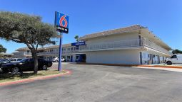 Exterior view MOTEL 6 CORPUS CHRISTI EAST - NORTH PADR