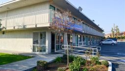 Exterior view MOTEL 6 BAKERSFIELD AIRPORT