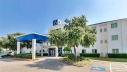 Exterior view MOTEL 6 DALLAS LEWISVILLE