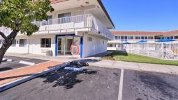 Exterior view MOTEL 6 PITTSBURG