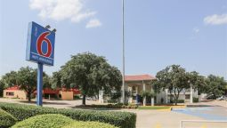 Exterior view MOTEL 6 DALLAS - ADDISON