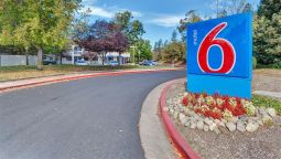 Exterior view MOTEL 6 SANTA ROSA NORTH CA