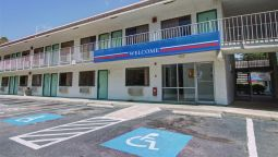 Exterior view MOTEL 6 SAVANNAH