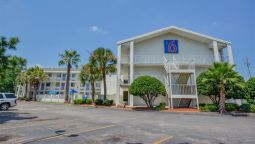 Exterior view MOTEL 6 MOBILE NORTH
