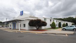 Exterior view MOTEL 6 PROVIDENCE EAST