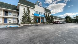 Exterior view MOTEL 6 NEW LONDON - NIANTIC