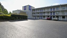 Exterior view MOTEL 6 RALEIGH SOUTHWEST - CARY