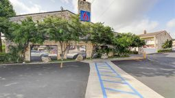 Exterior view MOTEL 6 SAN ANTONIO NW-MEDICAL CNTR