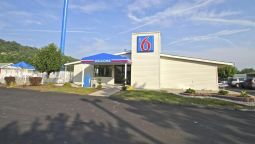Buitenaanzicht MOTEL 6 CHARLESTON WEST - CROSS LANES WV