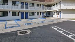 Exterior view MOTEL 6 PALMDALE