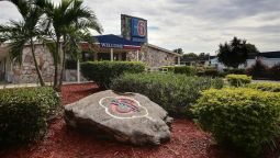 Exterior view MOTEL 6 PALM BAY
