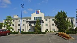 Exterior view MOTEL 6 PORTLAND NORTH