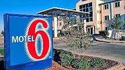 Exterior view MOTEL 6 GRESHAM OR