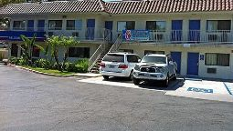 Exterior view MOTEL 6 UCR RIVERSIDE