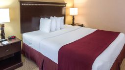 Room Quality Inn & Suites Nacogdoches
