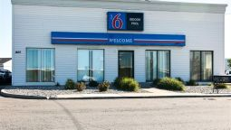 Exterior view MOTEL 6 FARGO - NORTH