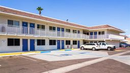 Exterior view MOTEL 6 MESA NORTH