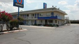 Exterior view MOTEL 6 DALLAS - IRVING