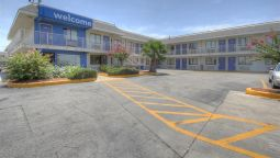 Exterior view MOTEL 6 SAN ANTONIO-SAM HOUSTON