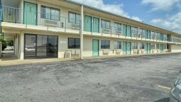 Exterior view MOTEL 6 CONWAY