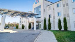 Exterior view MOTEL 6 PETERBOROUGH ON