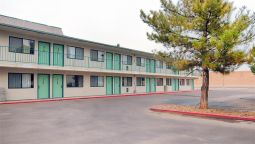 Exterior view MOTEL 6 WINNEMUCCA