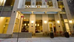 Buitenaanzicht DoubleTree by Hilton New York City - Financial District