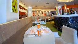 Restaurant HARRIS Hotel and Conventions Kelapa Gading