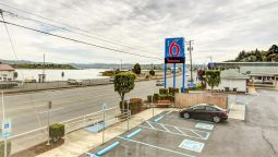 Exterior view MOTEL 6 COOS BAY