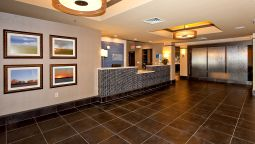 Buitenaanzicht Holiday Inn Express & Suites NEWTON
