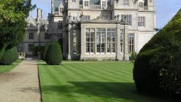 Exterior view Stoke Rochford Hall