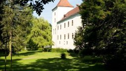 Exterior view Schloss Gmünd Pension