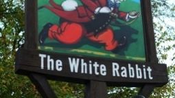 Buitenaanzicht The White Rabbit Good Night Inns