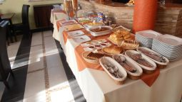 Breakfast buffet Villa Ramzes