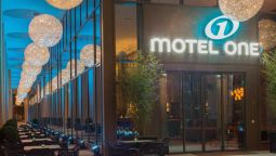 Exterior view Motel One am Zwinger