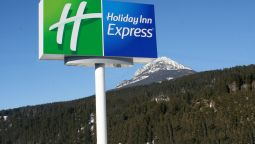 Holiday Inn Express GOLDEN-KICKING HORSE - Golden