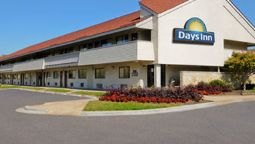 Exterior view DAYS INN OVERLAND PARK