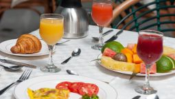 Breakfast buffet Sun Safari Club Hotel