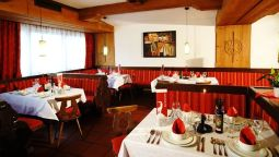 Ontbijtzaal first mountain Hotel Zillertal